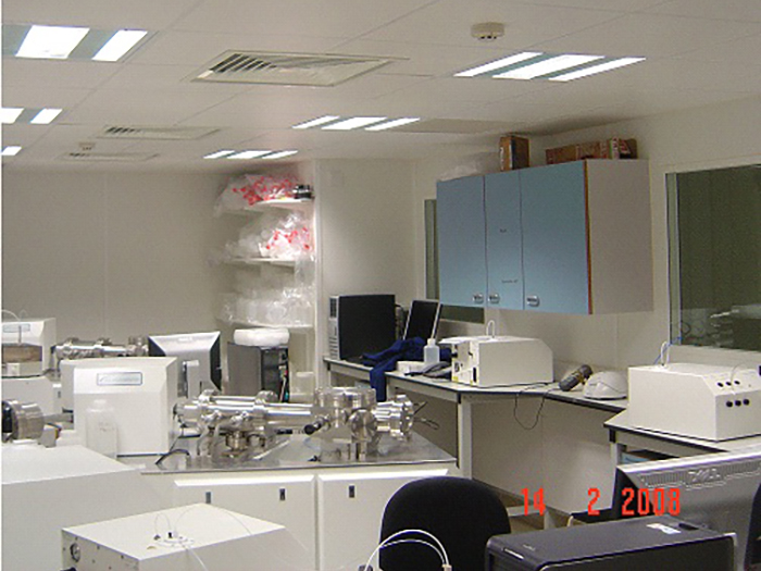Earth Sciences - Metal Free Laboratory